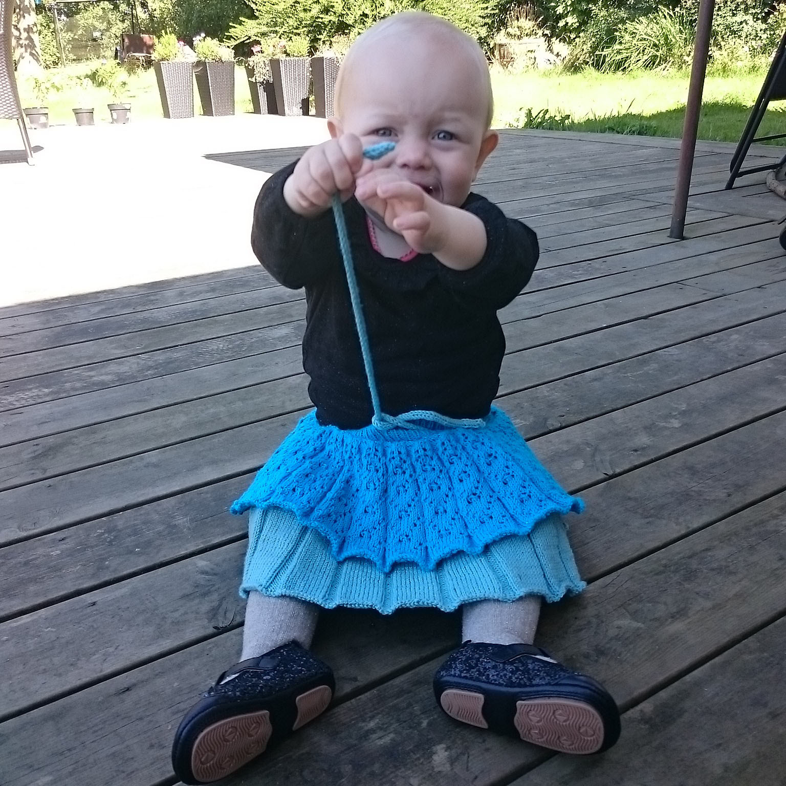 Strikke opskrift på Alma nederdel til barn